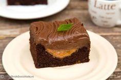 PRAJITURA CU IAURT SI CAISE | Diva in bucatarie Desserts, Food, Pie, Tailgate Desserts, Meal, Dessert, Eten, Meals, Deserts