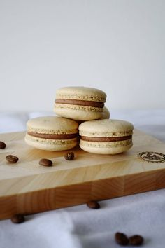 The perfect combination of coffee & Baileys in macaron form.   livforcake.com
