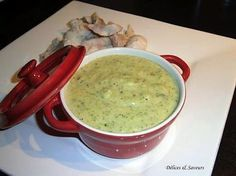 La meilleure recette de Purée de courgettes et de pommes de terre! L'essayer, c'est l'adopter! 0.0/5 (0 votes), 5 Commentaires. Ingrédients: 4 courgettes 2 pommes de terre 1 noisette de beurre 25 cl de crème fraiche Sel Poivre 2 c à c de curry 1 poignée d'emmental rapé