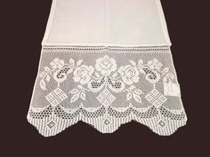 Crochet Placemats, Crochet Table Runner, Crochet Doilies, Crochet Lace, Crochet Borders, Filet Crochet, Crochet Patterns, Crochet Curtains, Lace Shorts