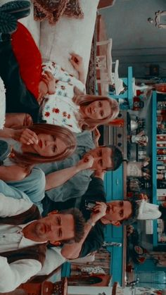 Friends Scenes, Friends Cast, Friends Episodes, Friends Moments, Friends Tv Show, Friends Forever, Best Friends, Wallpapers Tumblr, Cute Wallpapers