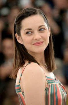 Marion Cotillard at the 2015 Cannes photocall for 'Macbeth'. Blonde Actresses, Black Actresses, Female Actresses, Actors & Actresses, Hispanic Actresses, Young Actresses, Female Celebrities, Marion Cotillard Style, Marion Cotilard