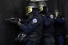 French GIGN operators. The National Gendarmerie Intervention Group, commonly abbreviated GIGN - Groupe d'Intervention de la Gendarmerie Nationale - is a special operations unit of the French Armed Forces. It is part of the National Gendarmerie and is trained to perform counter-terrorist and hostage rescue missions in France or anywhere else in the world.