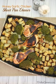 You'll want to try this garlic chicken sheet pan dinner recipe. It's quick to throw together, cooks without any fuss or much attention, and it's filling. #summerrecipes #sheetpandinners #chickenrecipes Healthy Dishes, Healthy Recipes, Healthy Meals, Yummy Recipes, Healthy Food, Healthy Eating, One Dish Dinners, Easy Dinners, Honey Garlic Chicken