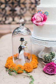 Dia de los Muertos wedding ideas | Dana Fernandez Photography | see more on: http://burnettsboards.com/2014/10/dia-de-los-muertos-wedding-inspiration-shoot/
