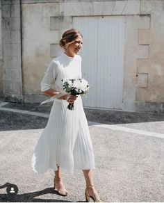 dresses casual midi Bohemian Summer Beach Wedding Dress High Neck Tea Length Chiffon Pleated Simple Open Back Women Bridal Gowns, 629 from Loveprom Casual Bride, Casual Wedding, Wedding Bride, Summer Wedding, Wedding Rehearsal Outfit, Trendy Wedding, Boho Wedding, Men Casual, Princess Wedding Dresses