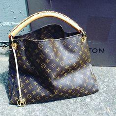 Yes we have another Louis Vuitton Artsy $1599.99 with box in good condition item #6513-13038 Alexis Suitcase  Sandy Springs  770-390-0010 option 3 Location: Sandy springs  #alexissuitcase #buckhead #atl #atlantaconsignment #thriftatl #resale #highenddesigner #consignment #luxury #designer #resaleatlanta #boutique #atlanta #fashioninspiration #shopmycloset #upscaleresale by alexissuitcase