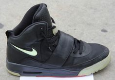 classic fit 59938 d3607 Nike Air Yeezy - Grammy Sample