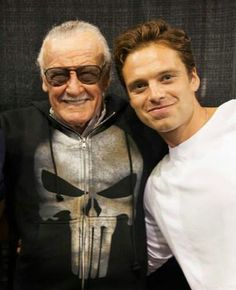 STAN LEE IS WEARING A PUNISHER HOODIE MY LIFE IS COMPLETE YOU'RE WELCOME