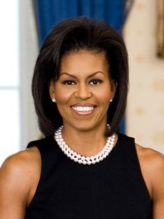 First Lady Michelle Obama. Find out more about Michelle Obama. Images Of Michelle Obama, Michelle Obama Quotes, Barack And Michelle, Michelle Obama Hairstyles, Outfit Elegantes, American First Ladies, Short Black Hairstyles, Short Haircuts, First Ladies