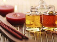 Jetzt ist die beste Zeit, Pflegeöle zu verwenden. Denn sie versorgen trockene Körperpartien mit wichtigen Wirkstoffen und lassen von Kalt- und Heizungsluft strapazierte Haare schön seidig glänzen