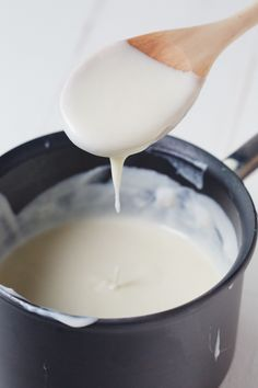 """A béchamel or white sauce is one of the classic French """"mother sauces"""" that form the basis of much French cuisine. White sauce is perhaps the most commonly used mother sauce for home cooks. It forms the backbone of most baked macaroni and cheese recipes, Macaroni N Cheese Recipe, Baked Macaroni, Cheese Recipes, Cooking Recipes, Cooking Tips, Milk Recipes, What's Cooking, Cooking Classes, Seafood Recipes"""