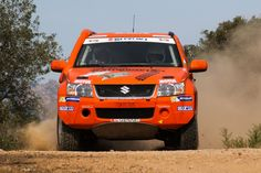 Suzuki Grand Vitara in orange #evocorse #dakarcorse #orange #madeinitaly #offroad