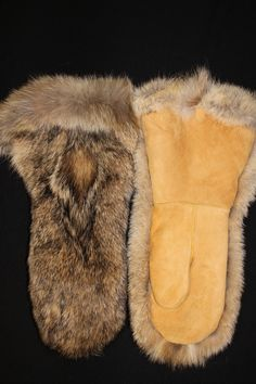 Mens Moose Hide and Bush Wolf Fur Gauntlet By Iroqrafts ! So warm Fur Trade, Fur Accessories, Art Textile, Mittens Pattern, Mountain Man, Leather Projects, Rabbit Fur, Leather Gloves, Mitten Gloves