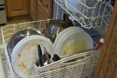 Perché non si dovrebbe mai, mai risciacquare i piatti prima di metterli nella lavastoviglie Cleaning, Breakfast, Food, Meal, Eten, Meals, Home Cleaning, Morning Breakfast