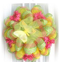 YouTube Mesh Ribbon Wreath Instructions | Tags: deco poly mesh ribbon , work wreath , wreath making