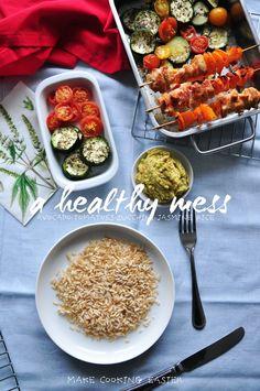Z cyklu: Całkiem zdrowo! Guacamole, pieczona cukinia, indyk, pomidory i ryż jaśminowy