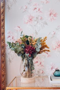 Table Flowers, Flower Vases, Green Flowers, Beautiful Flowers, Ikebana, Dried Flower Arrangements, Luxury Flowers, Indoor Flowers, Fall Bouquets
