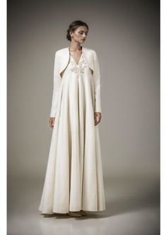 Mohammed Ashi Returns to Signature Oriental Embroidery for His Resort 2016 Collection -