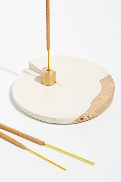 Diy Incense Holder, Ceramic Incense Holder, Insense Holder, Concrete Crafts, Mid Century Modern Decor, Incense Sticks, Modern Ceramics, Tea Light Candles, Clay Projects