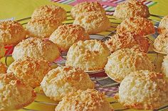 The perfect coconut macaroons from German Christmas Cookies, Holiday Cookies, Coconut Macaroons, Baking With Kids, Holiday Baking, Favorite Holiday, Snack Recipes, Food Porn, Food And Drink