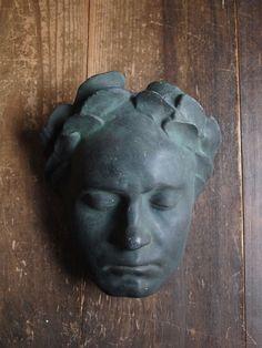 Etsy のDeath mask with a laurel wreath France Napoleon I ? plaster  Vintage(ショップ名:GliciniaANTIC)