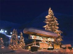Alyeska ski resort, located 40 miles from Anchorage, is one of the state's best ski areas. With over 1400 skiable acres, and 650 inches of snow fall a year, Alyeska is a skier's paradise.
