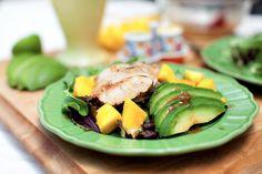 Uppskrift: Salat með grilluðum kjúklingi, avokadó og mangó