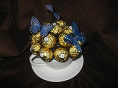 Butterfly cup full of Ferrero Rocher. Min Ho, Lee Min, Chocolate Gift Boxes, Get Well Gifts, Chocolate Bouquet, Ferrero Rocher, Candy Bouquet, Bouquets, Butterfly