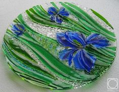 """Repina Elena. Glass dish for the holiday table, """"At water"""" fusing"""