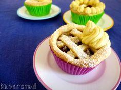 Veganer Mini Kirsch Pie Vegan Mini Cherry Pie  http://kuechenmamsell.blogspot.de/2013/10/vegan-mini-cherry-pie-welcome-to-twin.html