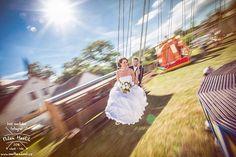 Minulý týden jsem měl tu čest fotit svatbu dvoum úžasným lidem... Lence a Mírovi. No a protože poblíž byla pouť, kdo mne zná, tak... Jsem rád, že se mi Lenku podařilo ukecat a šla fotit s manželem na kolotoč :-) #svatba #wedding #svatebnifoto #weddingphoto #svatebnifotograf #weddongphotographer #czechwedding #czechphotographer #czechweddingphotographer #zenich #nevesta #kolotoc #jarosov #jarosovnadnezarkou #pout #retezak #nevestanapouti #focenineninuda #mamsvojipracirad #fotiltomilan  Více…