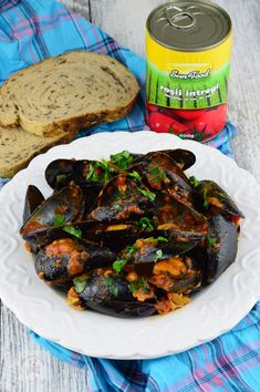 Midii in sos picant de rosii - CAIETUL CU RETETE Tandoori Chicken, Ethnic Recipes, Food, Essen, Meals, Yemek, Eten