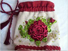 El taller de Anaisa: Bolsito bordado en cintas de seda
