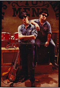 the movie the blues brothers directed by john landis Blues Brothers 2000, Blues Brothers Movie, Band Of Brothers, Movie Stars, Movie Tv, Recital, Blues Music, Rockabilly Cars, Rock N Roll