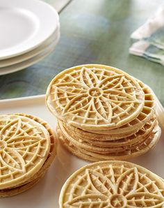 These nutmeg-flavored cookies, baked on a pizzelle iron, are crisp and light. Serve as a Christmas dessert or with a flavored coffee. Italian Cookie Recipes, Italian Cookies, Italian Desserts, Just Desserts, Delicious Desserts, Dessert Recipes, Soup Recipes, Noel Christmas, Christmas Baking