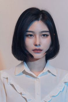 check out these 13 mesmerizing spring hairstyles for short hair. 12 Mesmerizing Spring Hairstyles for Short Hair 2018 to try in the spring. Ulzzang Girl Fashion, Teen Fashion, Photographie Portrait Inspiration, Asian Makeup, Korean Eye Makeup, Model Face, Girl Short Hair, Asian Short Hair, Aesthetic Girl