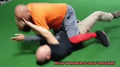 Little ground clip from a Rich 'N Roberts 3 Day Self Defense Event! Notice he is keeping low as exits the attacker's body to avoid getting struck either strategically or from defensive reaction! Self Defense, Jiu Jitsu, Teaching, Education, Onderwijs, Learning, Tutorials