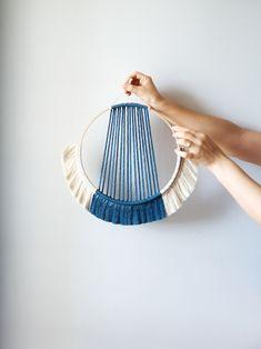 Macrame Wall Hanging Patterns, Weaving Wall Hanging, Macrame Patterns, Wall Hangings, Quilt Patterns, Macrame Design, Macrame Art, Macrame Projects, Yarn Wall Art