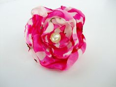 Fuchsia Pink and White satin fabric flower adjustable ring, cocktail ring, costume jewelry, teen birthday party favors, Bridal Shower Favors #specialt #etsyretwt