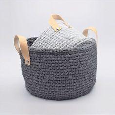 """Nye Ribbon kurve i det smarte """"knit stitch"""" mønster, som giver et flot strikket look. Perfekt til opbevaring i stuen, på værelset, i køkkenet eller et helt fjer"""