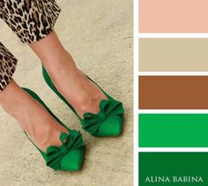 emerald green bow shoes and wild leopard peg leg trousers. Colour Combinations Fashion, Color Combinations For Clothes, Fashion Colours, Colorful Fashion, Color Combos, Color Schemes, Color Pairing, Colour Pallette, Color Balance