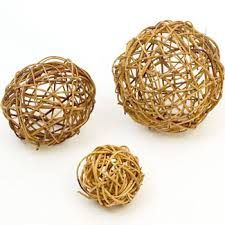 Craft day! (And we bet your furry friend would be happy to help!) Willow balls aren't that hard to make, and they are a huge favorite for tossing, chewing, and general playing. If you've got some willow, take an hour or so and make some fun!