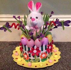 Get crafty with these egg-sellent Easter bonnet ideas! Regardless of your child& age or skill level, you& find some gorgeous Easter inspiration here! Easter Bonnets For Boys, Easter Crafts For Adults, Boys Easter Hat, Easter Hat Parade, Diy Ostern, Easter Projects, Easter Ideas, Easter Activities, Easter Eggs