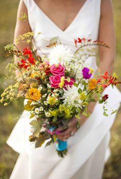 Tendance mariage : le bouquet de mariée champêtre                              …