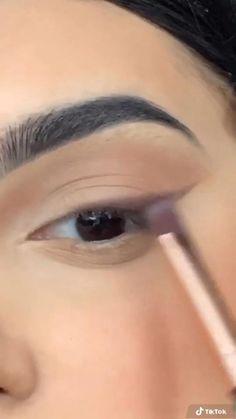Makeup Looks Tutorial, Smokey Eye Makeup Tutorial, Simple Eyeliner Tutorial, Edgy Makeup, Skin Makeup, Eyeliner Makeup, Glamour Makeup, Minimal Makeup, Eye Makeup Art
