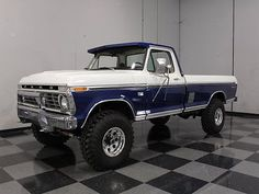 "Ford : F-250 390 CI, 4X4, LIFTED ON 36"" TIRES, VINTAGE AIR, PS, PB, BIGFOOT'S LITTLE BROTHER!"
