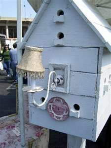 Shopping at Flea Markets for Vintage Patio Furniture: Shabby Chic Birdhouse Vintage Outdoor Furniture, Outdoor Garden Furniture, Shabby Chic Furniture, Outdoor Decor, Outdoor Ideas, Shabby Chic Birdhouse, Shabby Chic Patio, Birdhouse Designs, Cute Pigs