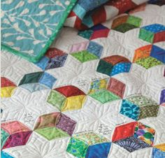 Quilting on the Go: English Paper Piecing Projects You Can Take Anywhere: Jessica Alexandrakis: 9780770434120: Amazon.com: Books