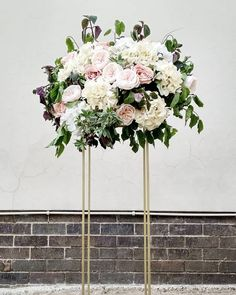 Gold plinth centerpieces for hire in Johannesburg